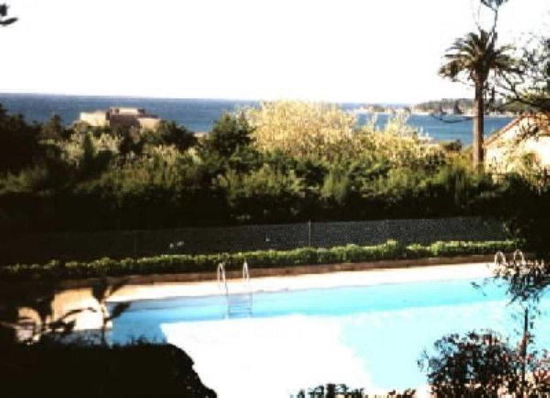 Presqu Ile De Giens: apartment/ flat - 3 rooms - 5/6 persons, location de vacances à Hyères