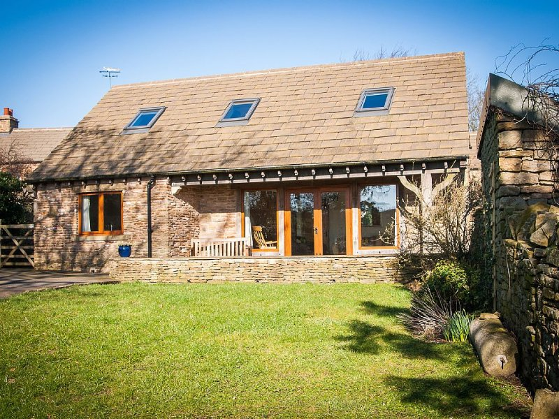 Country Retreat in the Peak District. Great location for cyclists. Pet friendly, vacation rental in Millthorpe