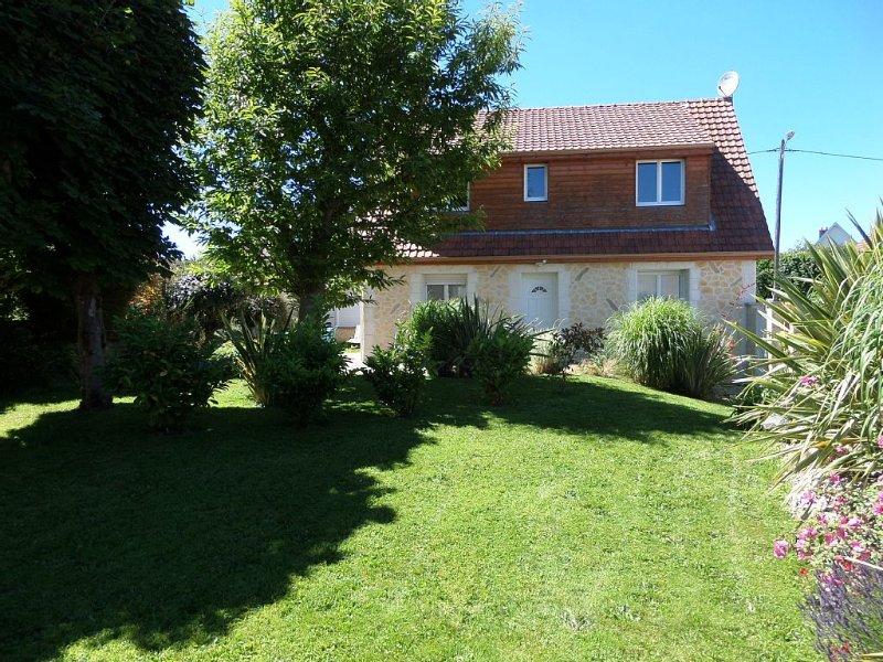 Proche de la mer et d'Etretat, charmante maison avec jardin pour 4/5 personnes, vacation rental in Ganzeville