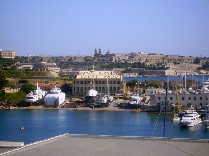 Attractive Duplex Apartment in Sliema with private, spacious sun terrace, holiday rental in Sliema