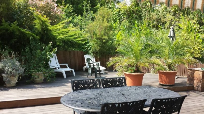 Appartement 90m2  grande terrasse dans Villa .Quartier priviligie de Chiberta, holiday rental in Boucau