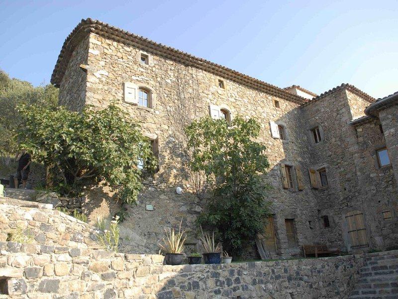 Mas de caractère de 1836 au pied des Cévennes avec Piscine, location de vacances à Anduze