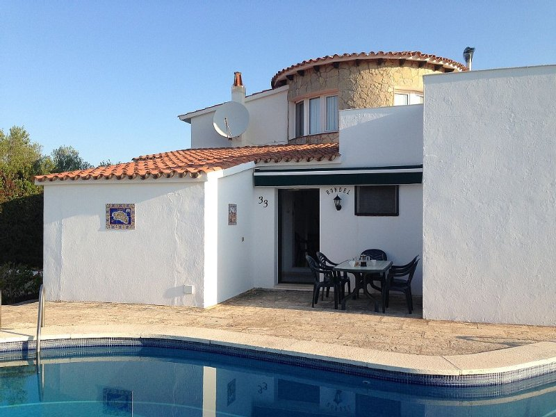 Villa Rondel with Private Pool in S'Albufera Nature Reserve, vacation rental in Cala Llonga