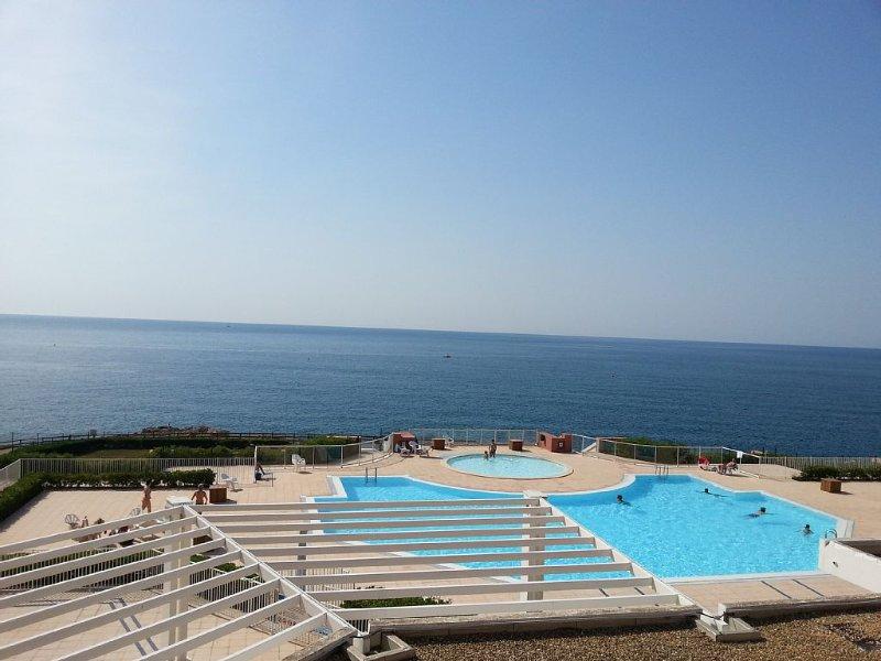 SETE  FRONT DE MER , PLAGE à 100 m , PISCINE  , CLIMATISATION ,, vacation rental in Sete