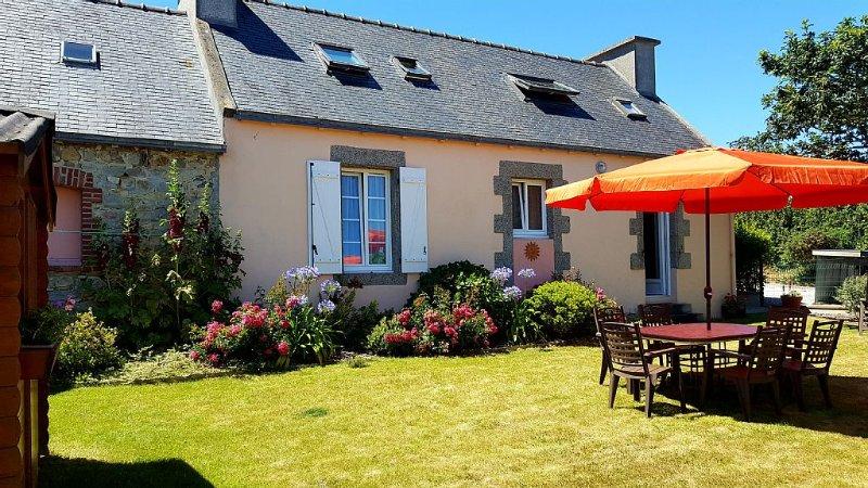 Maison de caractère indépendante avec jardin clos, alquiler de vacaciones en Camaret-sur-Mer