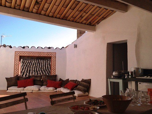 17thc Family home in medieval Luberon village, holiday rental in Castellet