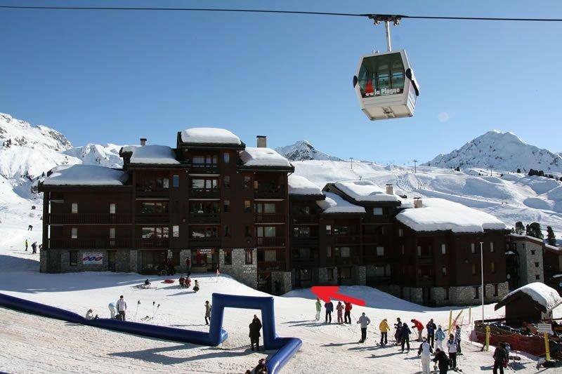 Pistes, télécabine, parc à luges, écoles de ski font face à la résidence