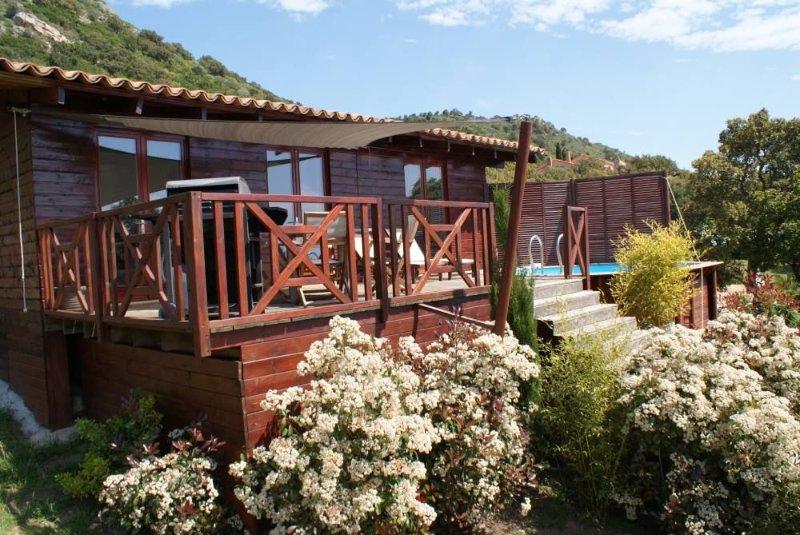 lodge exclusif vue mer avec piscine, alquiler de vacaciones en Sainte Lucie de Porto-Vecchio