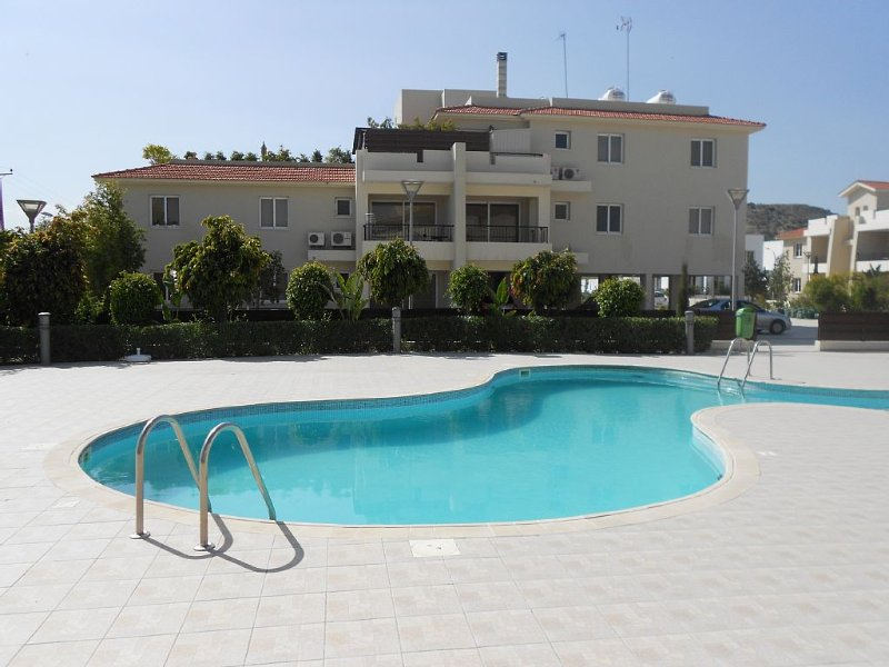 Modern Ground Floor Apartment With Private Sunny Garden, October Discount, holiday rental in Larnaca