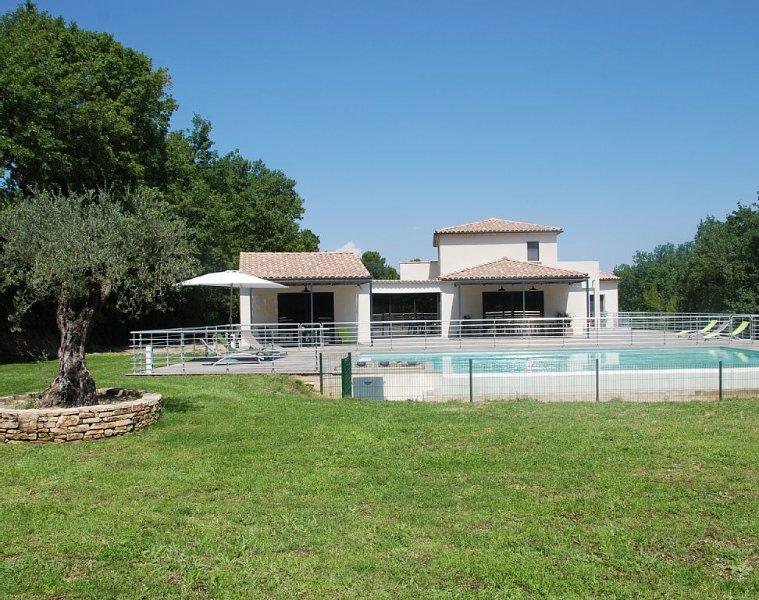 Architect villa, 12x7 infinity pool, near Avignon, Orange, 14 pers., casa vacanza a Caderousse