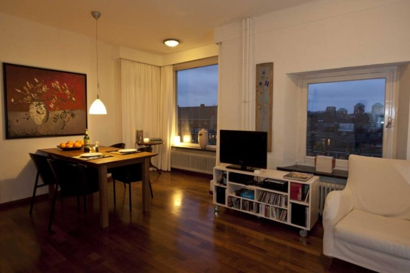 licht stadsappartement aan water en park, holiday rental in Amsterdam