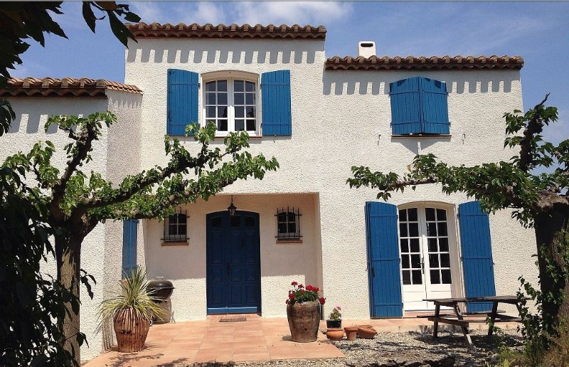 Villa With Private Swimming Pool And Outstanding Views, Ferienwohnung in Beaufort