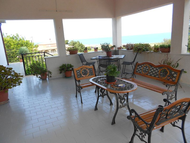 Appartamento estivo., holiday rental in Campofelice di Roccella