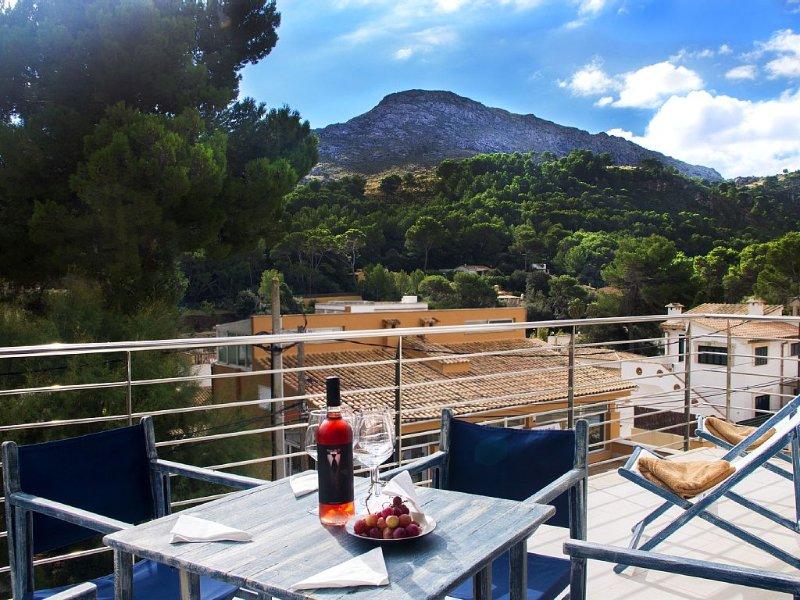 Modern Ferienwohnung mit Sonnenterrasse, aluguéis de temporada em Cala San Vincente