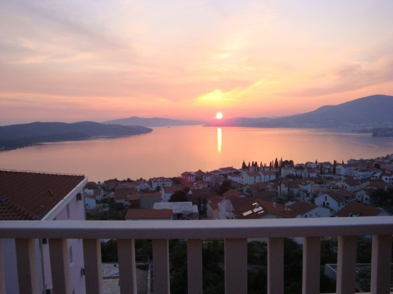 Penthouse  View - 1 bed penthouse apartment with stunning seaviews near Trogir, holiday rental in Ciovo Island