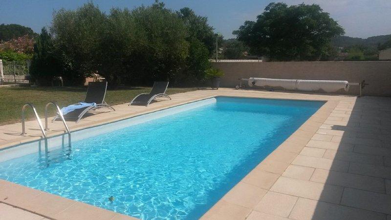 Maison de vacances avec piscine................................................., location de vacances à Caveirac