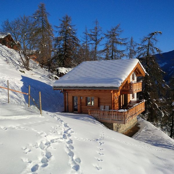Mountain Lodge LOULOU: luxechalet op 250 m van skilift met sauna., location de vacances à Heremence