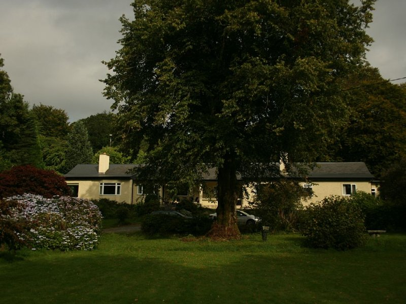 Country House Overlooking a Lough, vacation rental in Clonbur