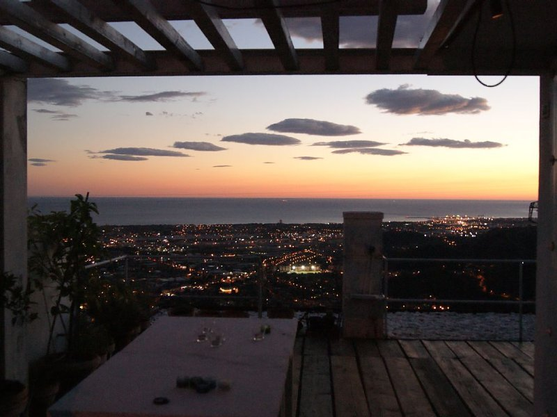 Panoramic coast roof terrace 3 levels house, holiday rental in Massa