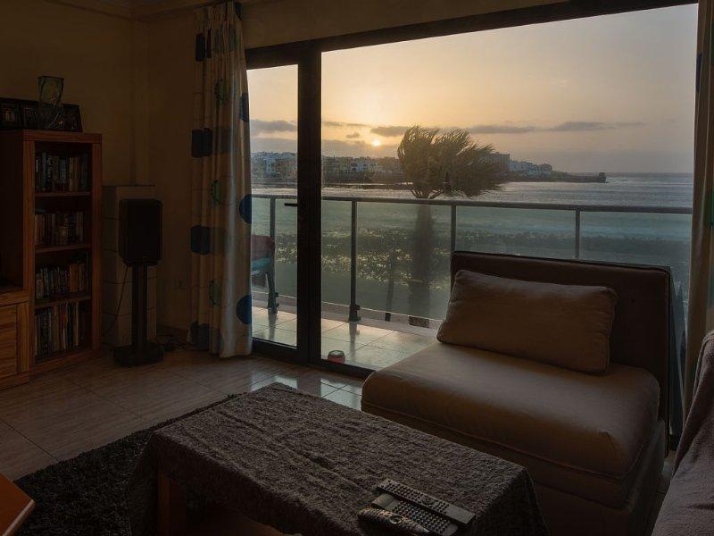 Modern well equipped apartment on the beach of Arinaga, alquiler vacacional en Arinaga