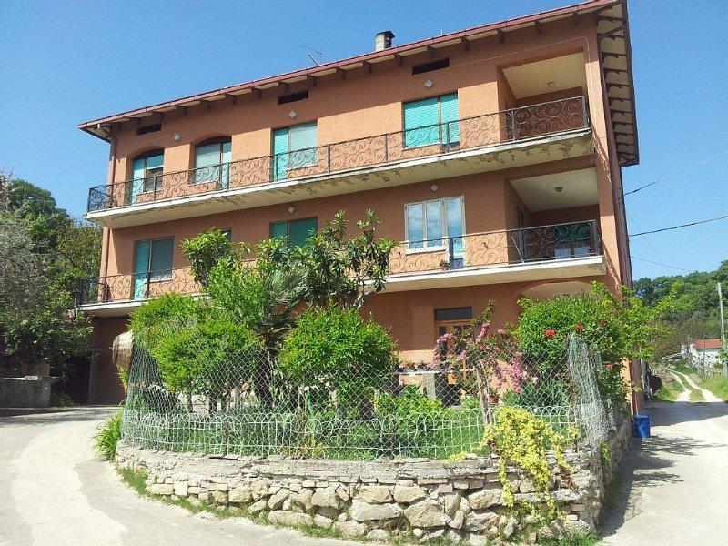 Appartamento in casa della fattoria, alquiler vacacional en Fossacesia Marina