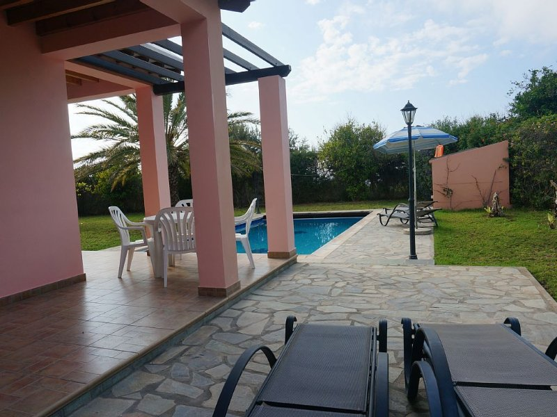 Rural Villa Set In The Mountains, Private Pool And Stunning Sea Views, holiday rental in Nea Dimmata