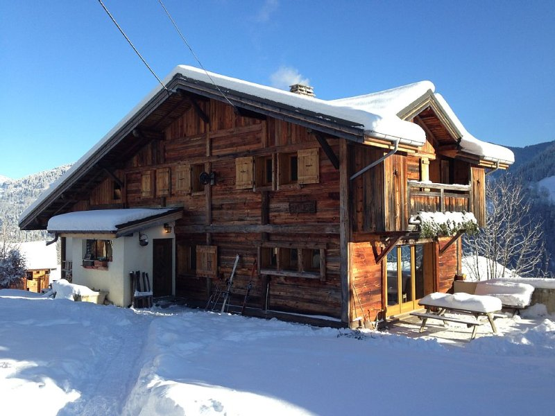 Great family cottage, massive views of Mont Blanc, Saint-Nicolas-de-Véroce, holiday rental in Saint-Gervais-les-Bains