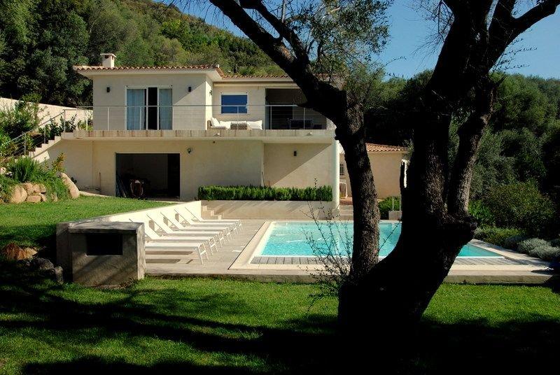 Sainte Lucie Pv/Pinarello Villa Familiale de standing vue mer piscine jardin, alquiler de vacaciones en Sainte Lucie de Porto-Vecchio