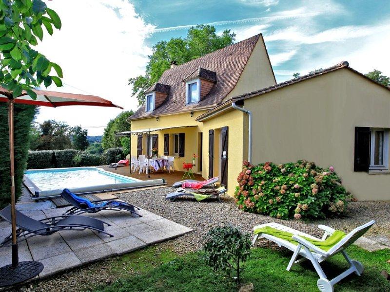 SARLAT à 10 mn  à pied de la cité médiévale-Piscine privative, au calme, vacation rental in Saint-Andre-d'Allas
