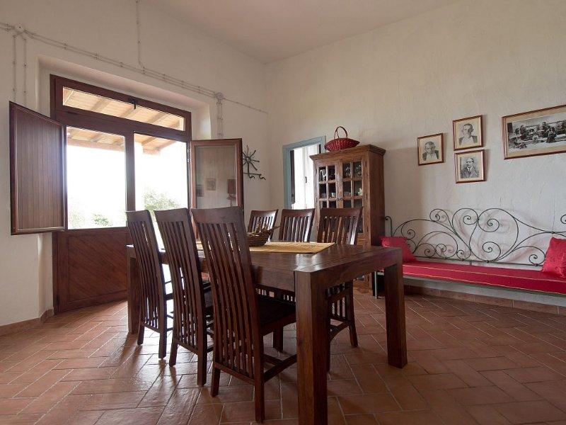 Casa immersa in splendido uliveto, vista mare, vakantiewoning in Galtelli