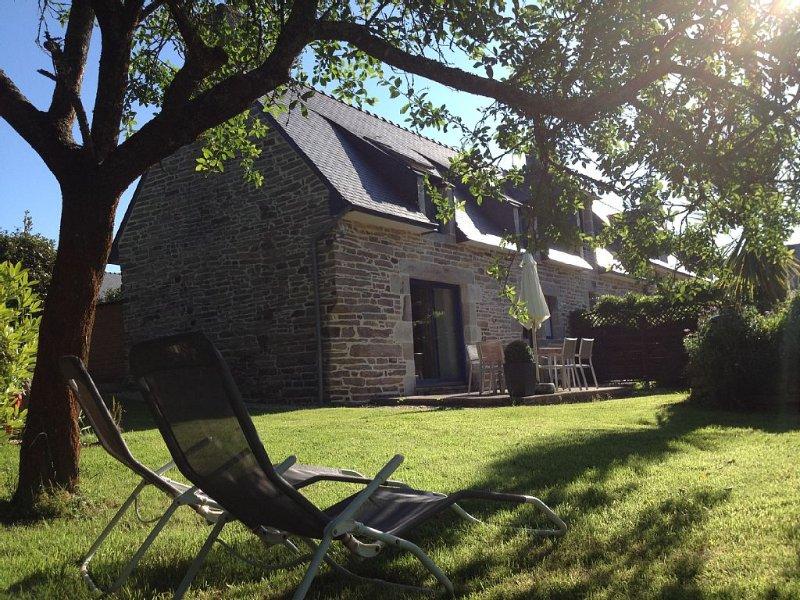 Maison entièrement rénové  avec grand jardin classée 3 étoiles à 5 km de la mer, alquiler de vacaciones en Finistere