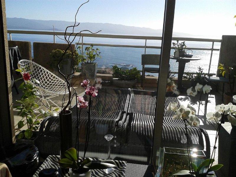 Superbe Duplex vue Mer avec grande terrasse aménagée plein sud, vacation rental in Ajaccio