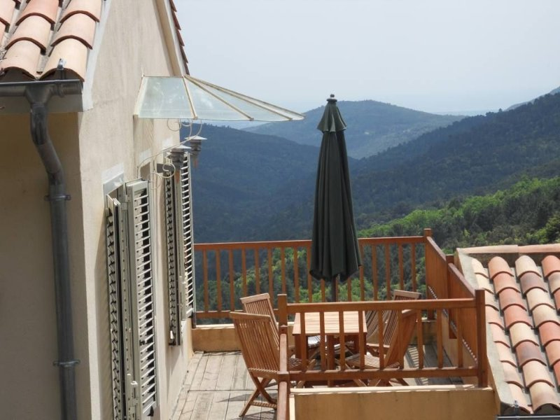 charmante maison de village à mi chemin entre mer et montagne, location de vacances à Vénaco