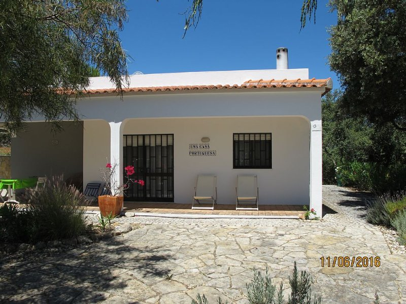 Villa With Private Pool, Stunning mountain views, WIFI.Tourism register 7698/AL, alquiler vacacional en Faro