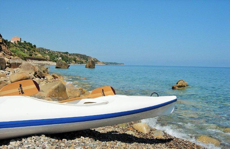 Villetta Fabiola a 50 Mt dal mare con spiaggia 'bandiera blu' privata, vacation rental in Finale