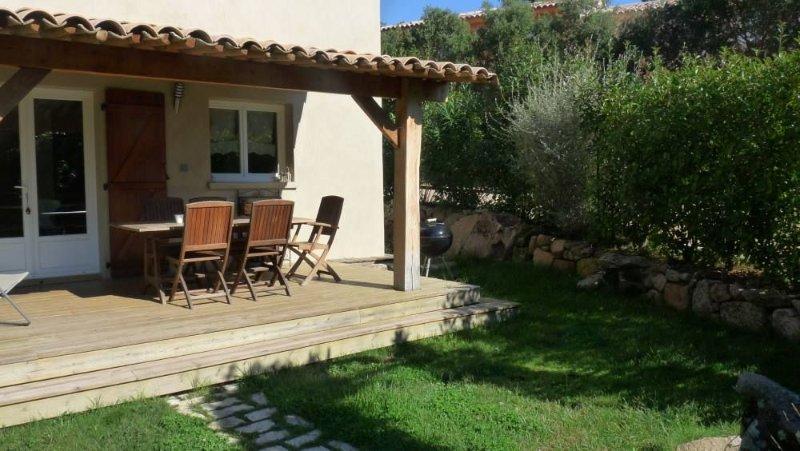 Lecci: Rez de maison avec jardin, aluguéis de temporada em Porto-Vecchio