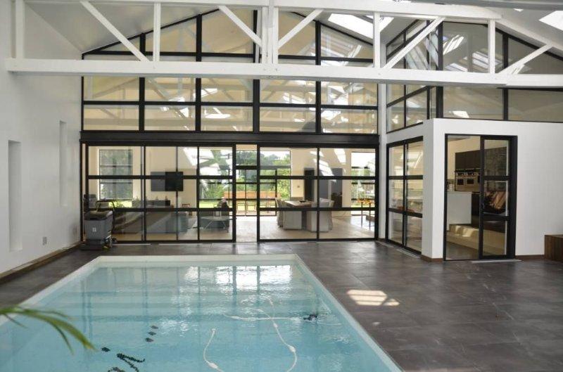 Loft de luxe - piscine intérieure, holiday rental in Massignac