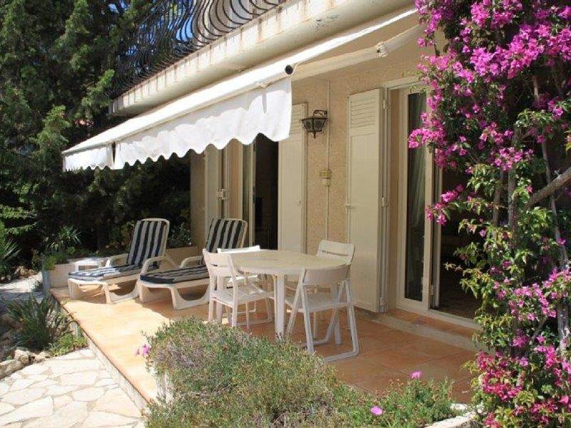 SAINT-RAPHAEL, Maison avec jardin 800m plage, Ferienwohnung in St-Raphaël