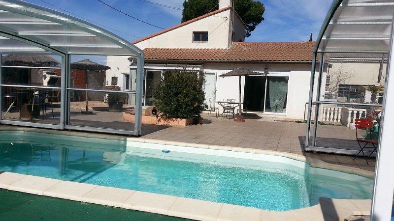 Maison De Campagne Avec Piscine sur 3000 m2 de terrain à Proximité des Plages, vacation rental in Portiragnes