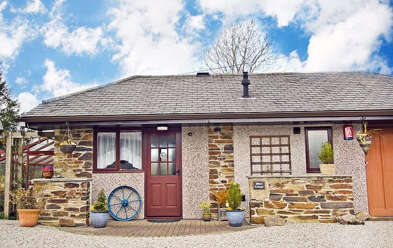 Rural Cottage Within Easy Access Of The Coast, The Moors And Plymouth City, location de vacances à Saltash