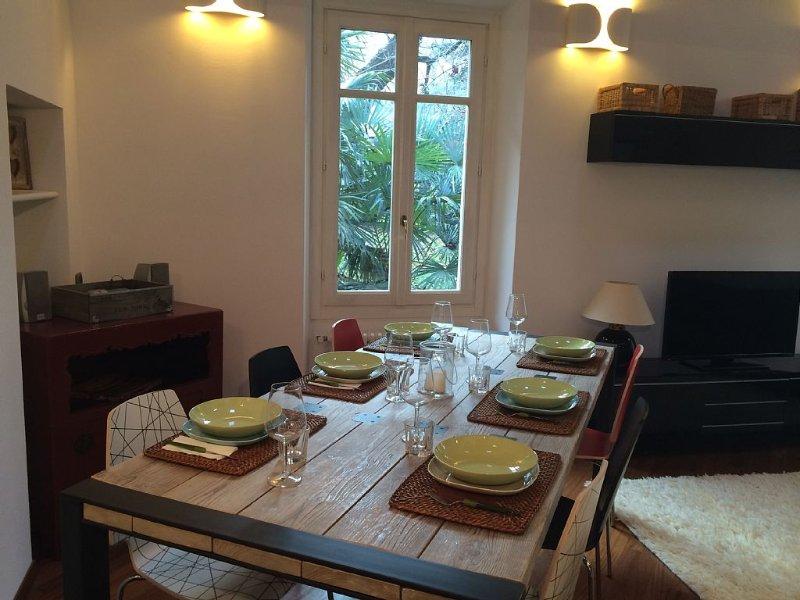 Centralissimo,Su 2 livelli ,completamente ristrutturato,ideale per famiglie, holiday rental in San Fermo della Battaglia