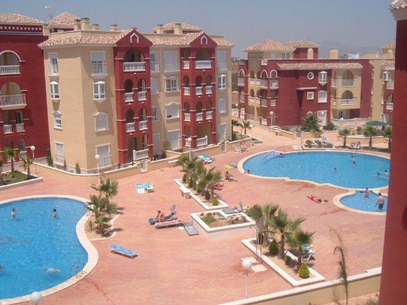 Top floor apartment sea and pool views, Ferienwohnung in Los Alcazares