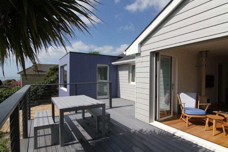 Luxury, Stylish House With Garden, Sea Views and Parking. Wifi Internet, Sky Hd, location de vacances à Ventnor