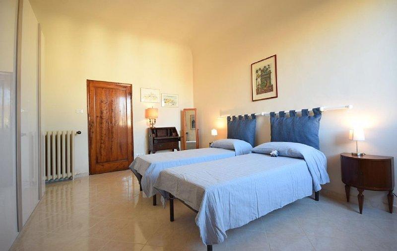 Appartement Piazza S.S.Annunziata - Centre Ville, Duomo-Galleria Accademia, holiday rental in San Martino alla Palma