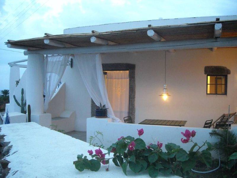 A Salina-Eolie piccola residenza tra mare e vulcani, holiday rental in Aeolian Islands