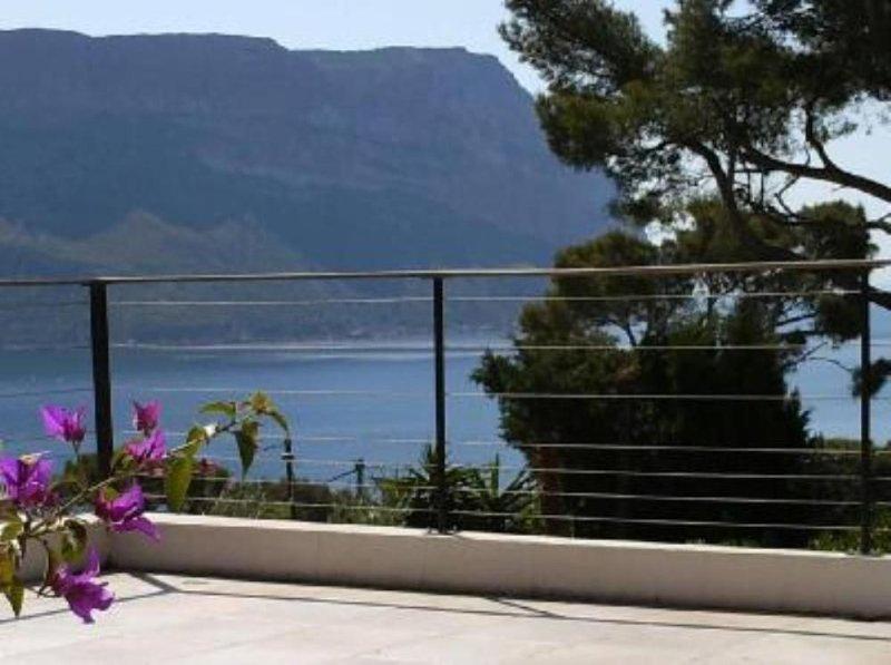 Villa de prestige Cassis face à la mer entre plage du Bestouan et calanque de po, holiday rental in Cassis