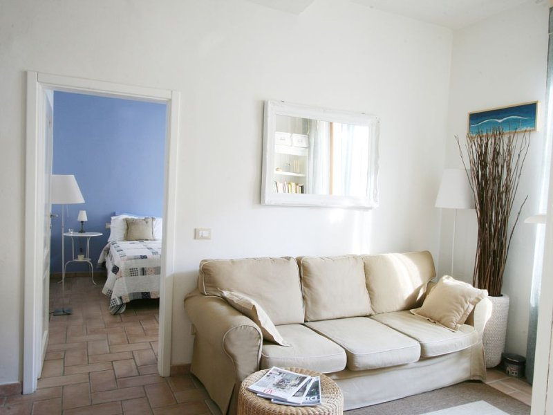 Appartamento  a 15 minuti a piedi dal Duomo, 2 camere e ADSL flat, holiday rental in Florence