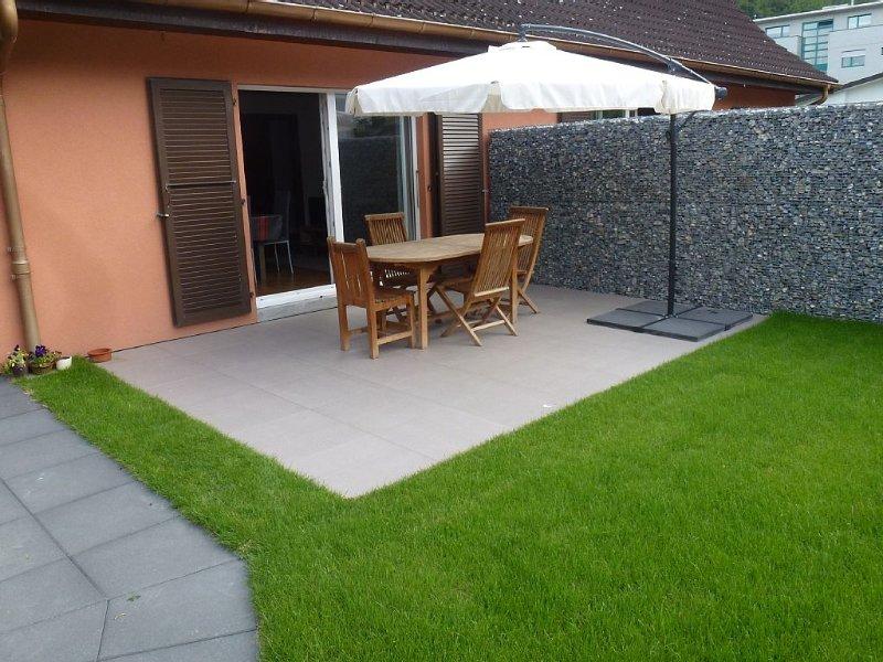 Spacieux appartement  -  90m2  en duplex -  terrasse avec pelouse., vacation rental in Canton of Valais