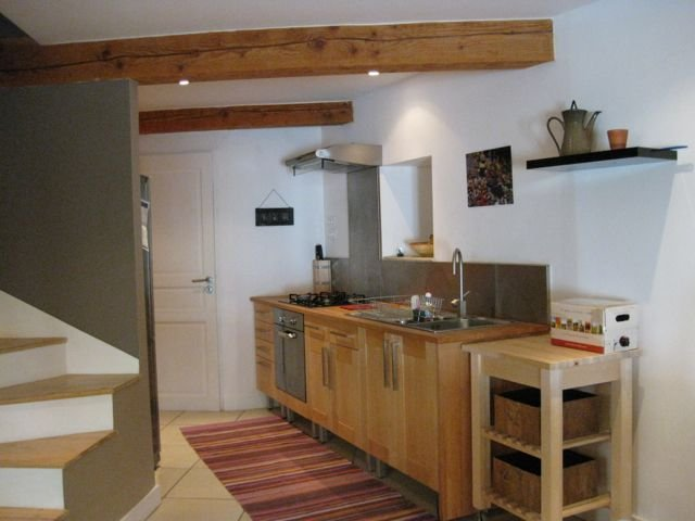 Traditional Village Maison With Tasteful Interiors In Idylic Minervois Hamlet, holiday rental in Paraza