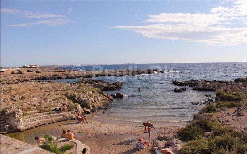 CASA VACANZE CON BALCONE, SPLENDIDA VISTA MARE E ARIA CONDIZIONATA 1/5 pers., vacation rental in Santa Maria al Bagno
